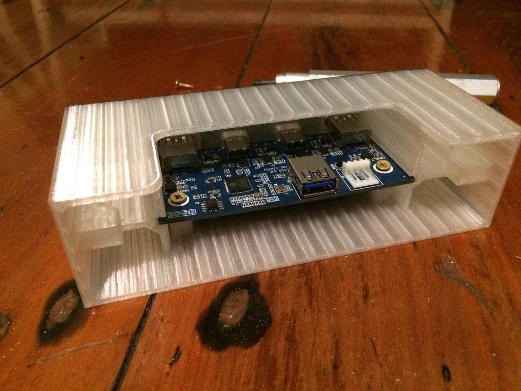 """7dc5a2b8069a1cbdd3403350eacac5fc_display_large.JPG Télécharger fichier STL gratuit PC USB-C 5,25"""" Drive Bay Bay Face avant du PC • Objet imprimable en 3D, AlbertKhan3D"""