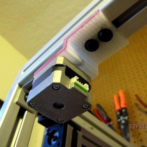 Fichier imprimante 3D gratuit Support moteur Nema 17 - Support de montage en bas, AlbertKhan3D