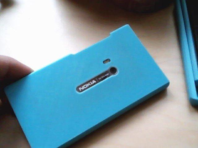 vlcsnap-2013-10-09-16h28m25s197_display_large.jpg Download free STL file Nokia N9 case • Design to 3D print, AlbertKhan3D