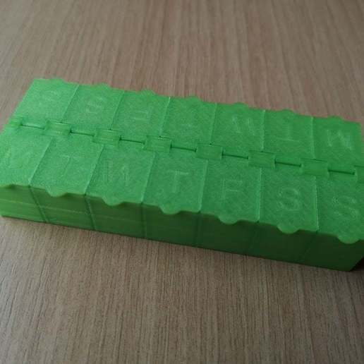 cad16d07afb1c19091726135f33c6c31_display_large.jpg Download free STL file Pill Box weekly • Object to 3D print, Oggie