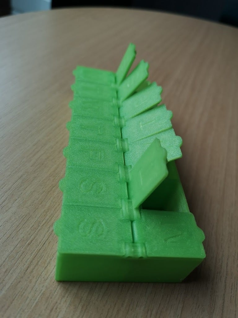 820481f3adc1f6c1b5354ce6497407e4_display_large.jpg Download free STL file Pill Box weekly • Object to 3D print, Oggie
