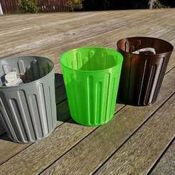 Download free 3D printing templates Rubbish Bin, Oggie