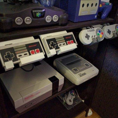 Download free 3D printer files Nintendo 8bit Controller shelf stand, Reshea