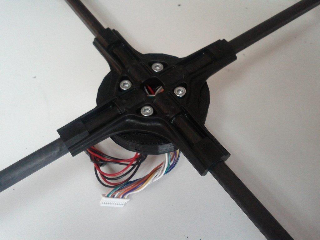 IMG_20110421_102948_display_large_display_large.jpg Télécharger fichier STL gratuit AR Drone Patch Croix centrale de bourdon • Modèle pour impression 3D, Reshea