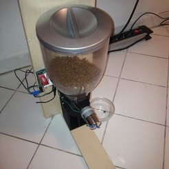 Free 3D printer designs Automated Cat Feeder, Reshea