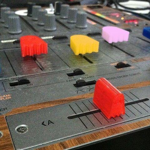 Archivos STL gratis Ghostly Pro-Audio Fader, Crossfader, y surtido de perillas para mezcladores, midi, dj, etc., Reshea