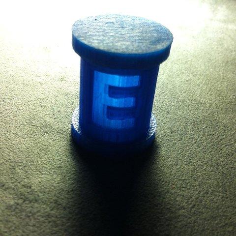 Télécharger fichier impression 3D gratuit Megaman E Mini conteneur-citerne avec couvercle encliquetable, Reshea