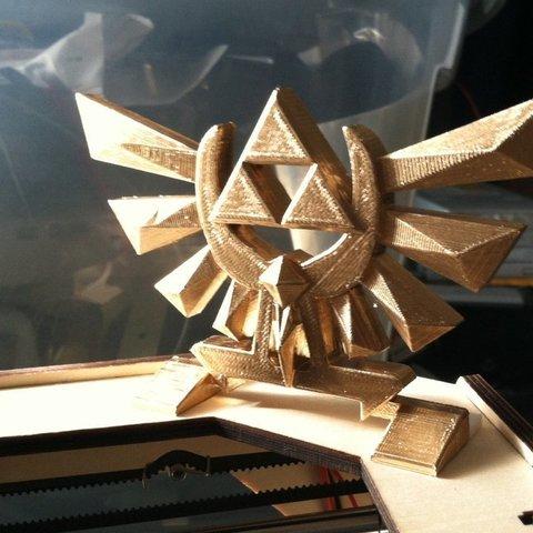 Download free 3D printer files Zelda Hyrule Crest - Standing w/ leg bits - Print flat, Reshea