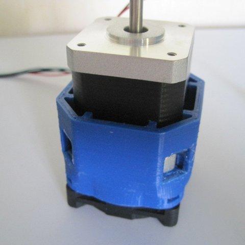 Imprimir en 3D gratis Soporte de ventilador para Nema 17, Clenarone