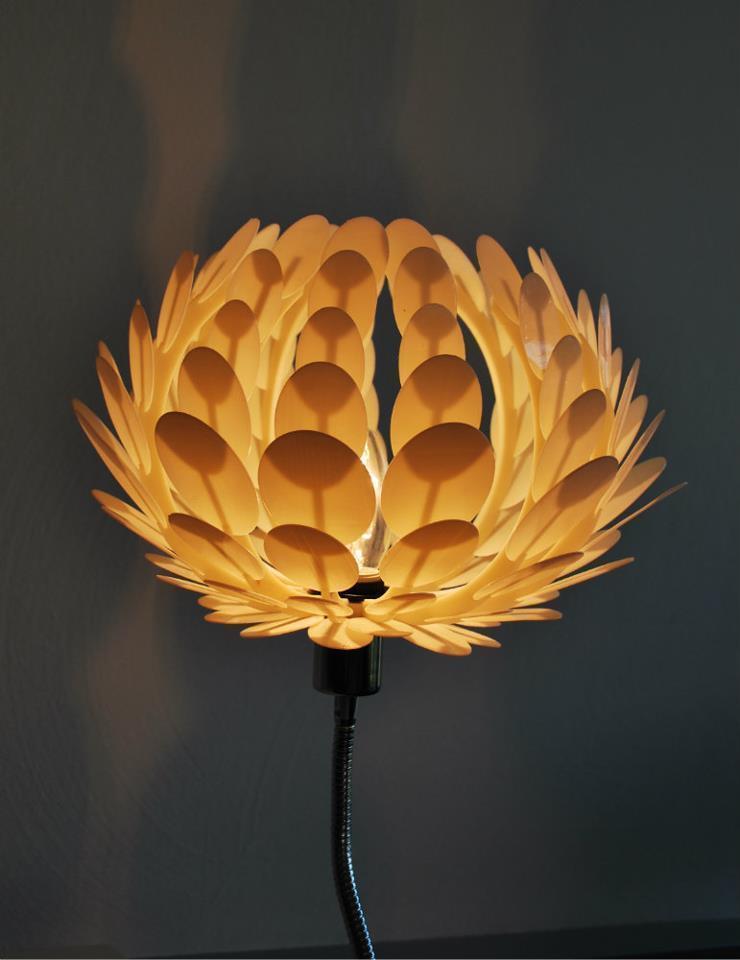 Lotuslamp_1_display_large.jpg Download free STL file Lotus lamp • 3D printable template, Odrenria