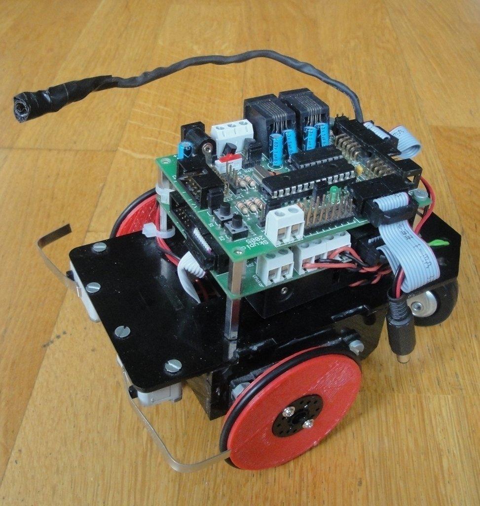 Skybot-ruedas-G3-v2-rojas_display_large_display_large.jpg Download free STL file Servo wheel for mobile robots • 3D printing template, Ogrod3d