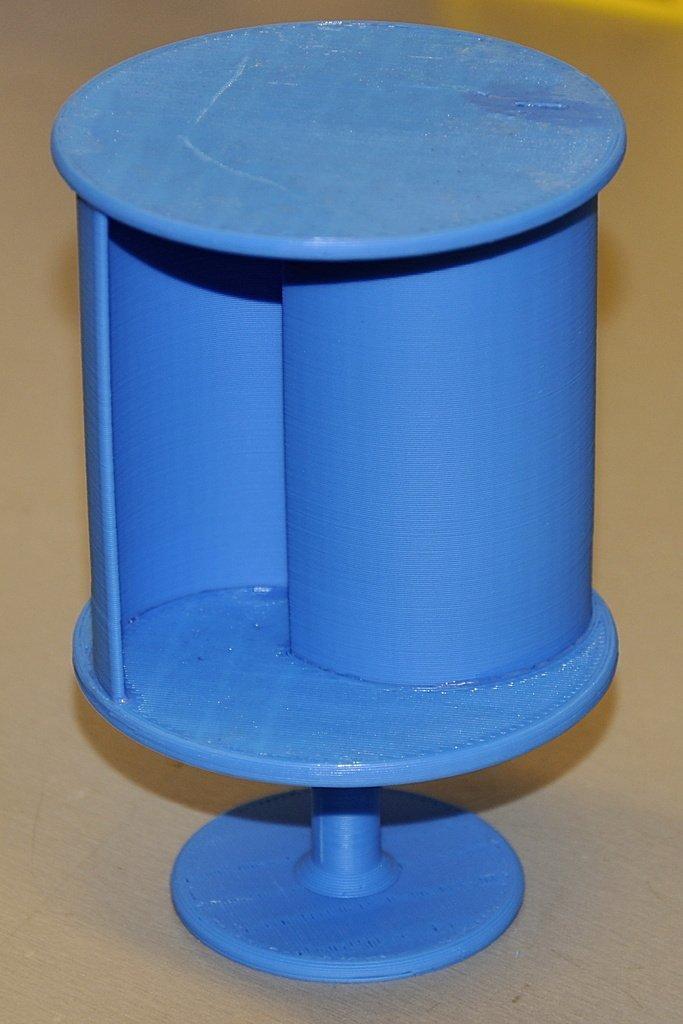 Savonius_wind_turbine_display_large.JPG Télécharger fichier STL gratuit Éolienne Savonius • Objet imprimable en 3D, Ogrod3d