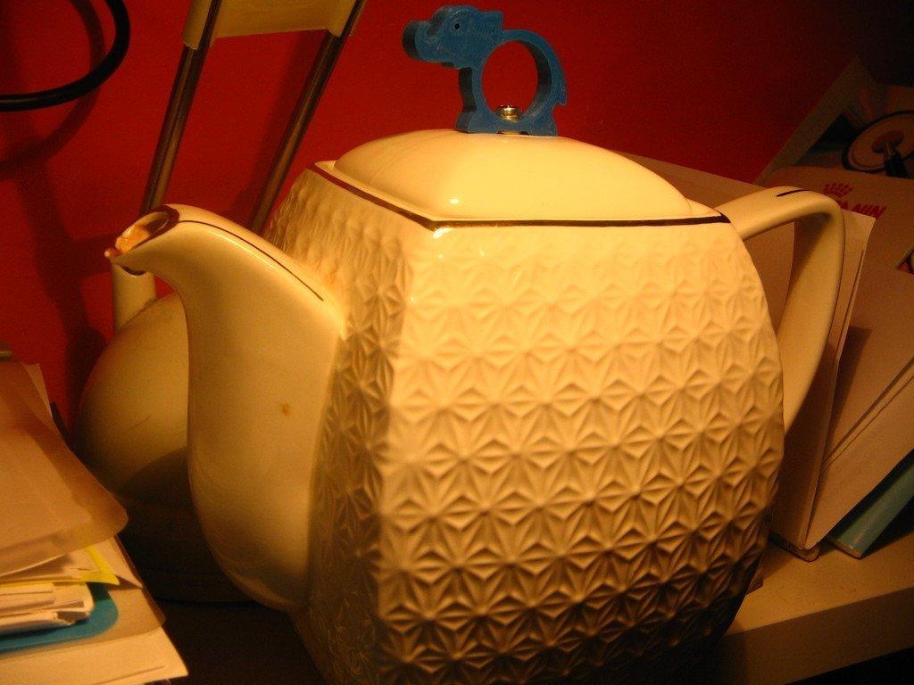 IMG_0007_display_large.jpg Download free STL file Handle for Teapot's Cap • 3D printing model, Ogrod3d