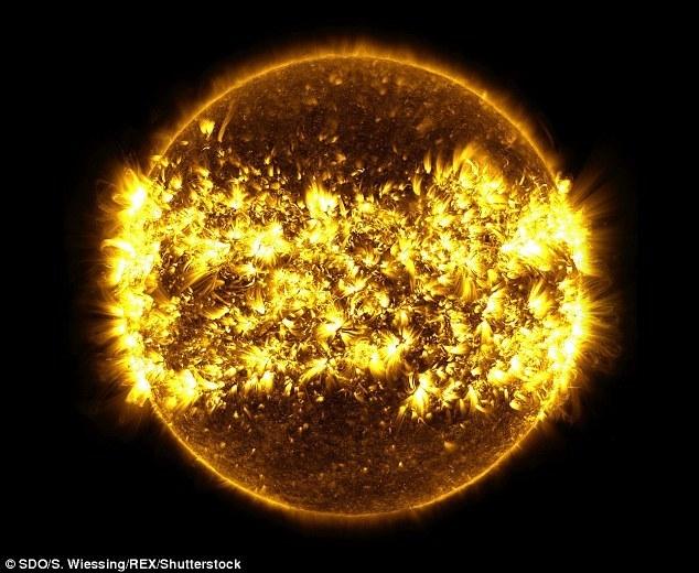 313AFBAF00000578-3447599-image-m-2_1455530796242.jpg Télécharger fichier STL gratuit Soleil (avec tempêtes de plasma) • Objet imprimable en 3D, szadros