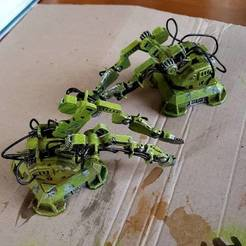 e987dbc763c4a14ccbcabe026696cc80_display_large.jpg Télécharger fichier STL gratuit Deux robots de construction armés • Modèle imprimable en 3D, Terrain4Print