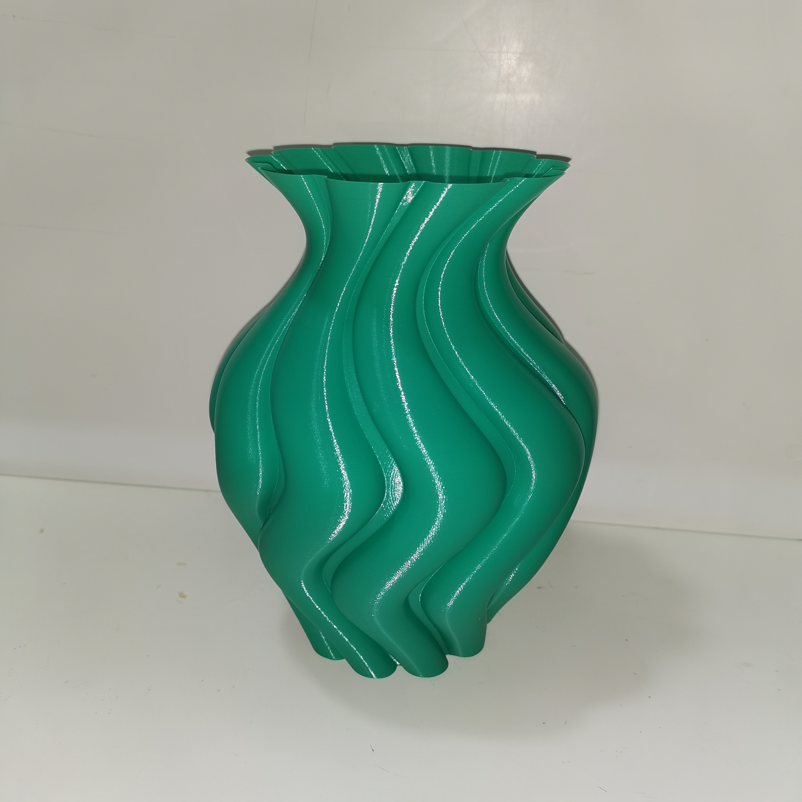 ROUNDED_TWISTED_VASE_3dprint3[1].jpg Download free STL file ROUNDED TWISTED VASE • Model to 3D print, ea3dp