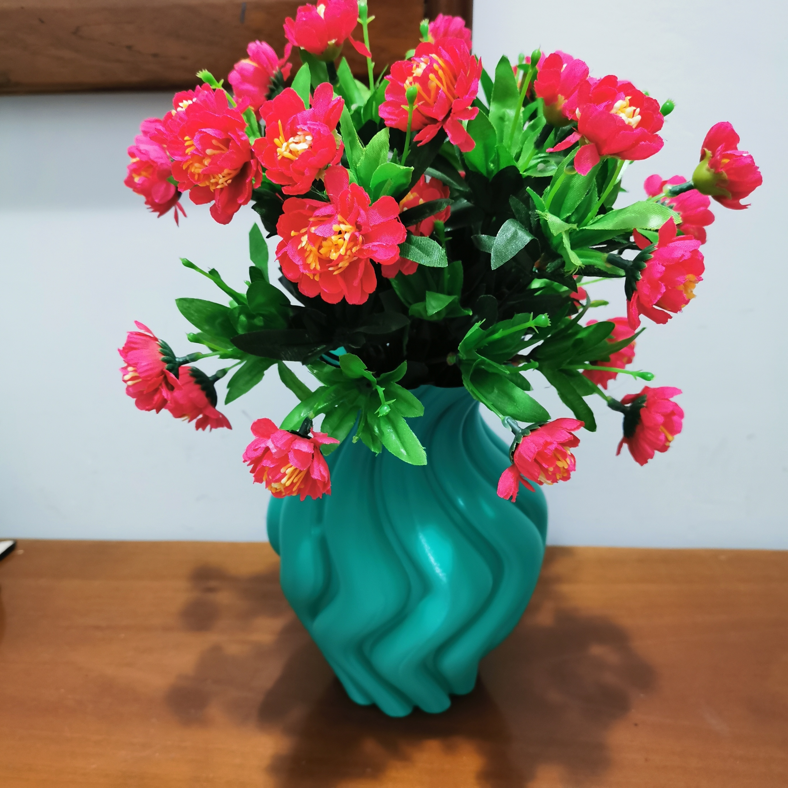 ROUNDED_TWISTED_VASE_3dprint1[1].jpg Download free STL file ROUNDED TWISTED VASE • Model to 3D print, ea3dp