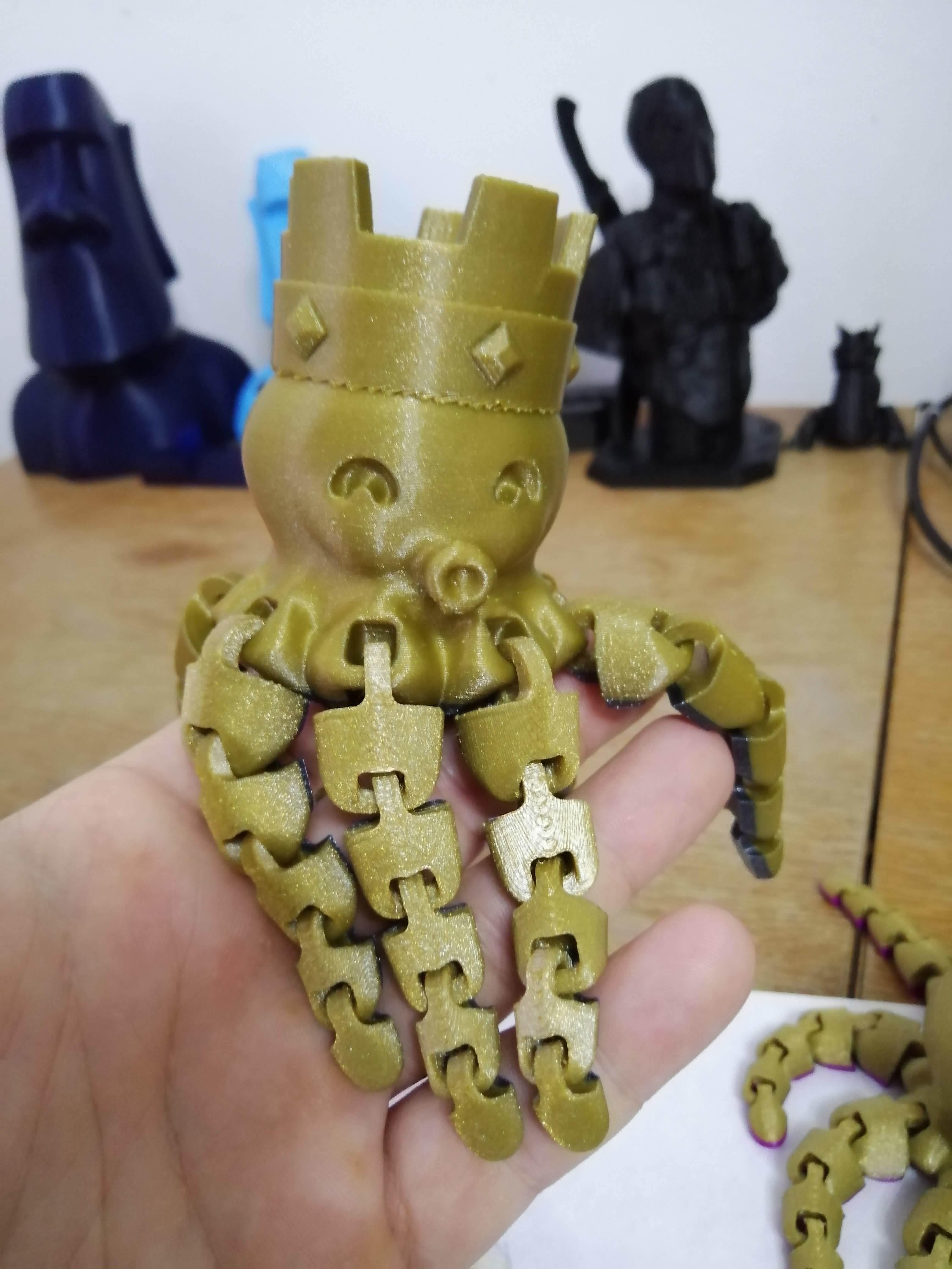 IMG_20190403_062512.jpg Télécharger fichier STL gratuit Le mignon roi des poulpes • Design à imprimer en 3D, paveltajdus