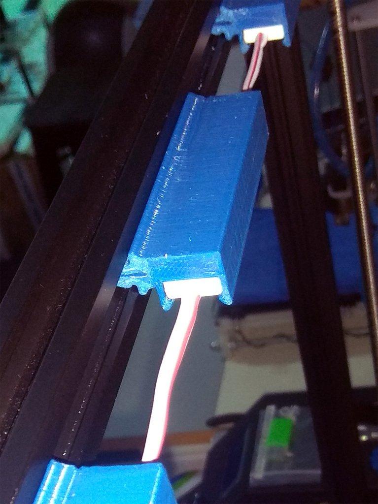 958f772b8fd7bb65bf05581019866e85_display_large.jpg Télécharger fichier OBJ gratuit CR-10S4 Support de module d'éclairage moulé par injection à 3 DEL pour l'extrusion 2020 • Objet pour imprimante 3D, HowardB