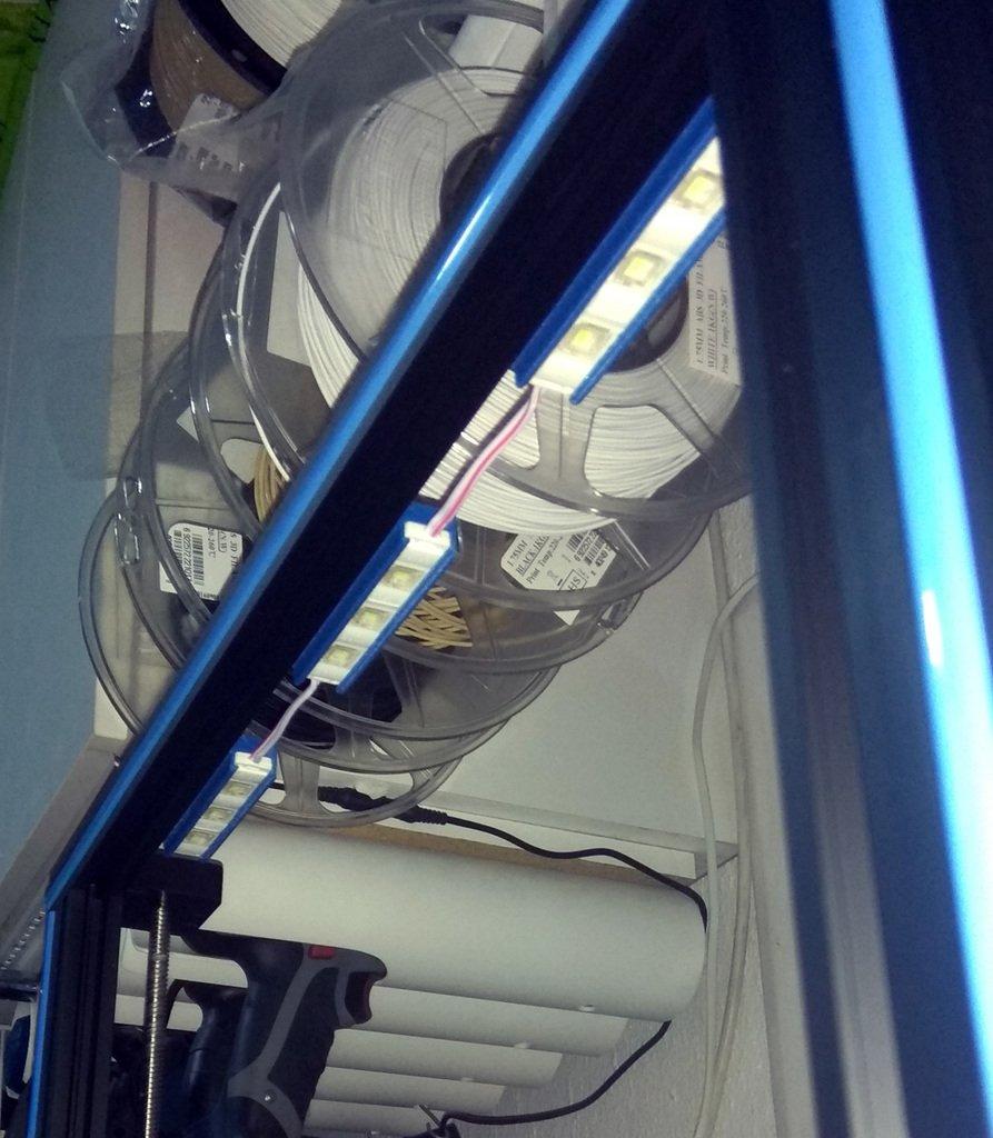 dd01f0a0f01f8055d7125e3f4bbb9d65_display_large.jpg Télécharger fichier OBJ gratuit CR-10S4 Support de module d'éclairage moulé par injection à 3 DEL pour l'extrusion 2020 • Objet pour imprimante 3D, HowardB