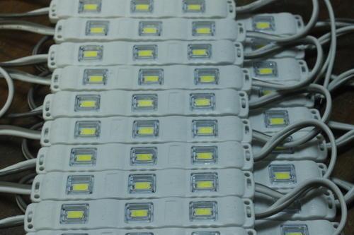 d3f39d2cc18cb0f45755d3bcaff752f7_display_large.jpg Télécharger fichier OBJ gratuit CR-10S4 Support de module d'éclairage moulé par injection à 3 DEL pour l'extrusion 2020 • Objet pour imprimante 3D, HowardB