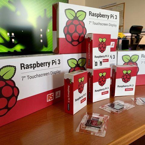 07ab9f958545df170a2199cb4bd9ad02_display_large.jpg Télécharger fichier STL gratuit Présentoir Raspberry Pi • Design pour imprimante 3D, marigu