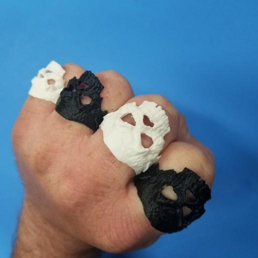 20200417_171644.jpg Download free STL file Zombie Skull Ring • 3D printer model, LittleTup