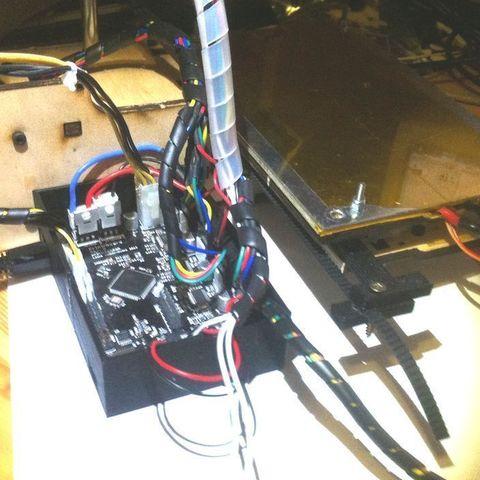 IMG_1226_display_large.jpg Télécharger fichier STL gratuit Printrbot Boîtier électronique • Modèle pour imprimante 3D, Ghashrod