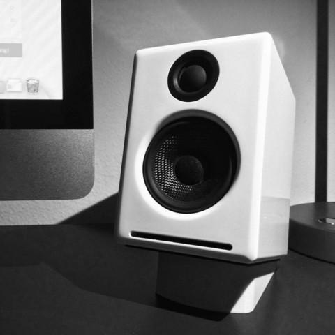 Download free 3D printing designs Desktop Speaker Stand