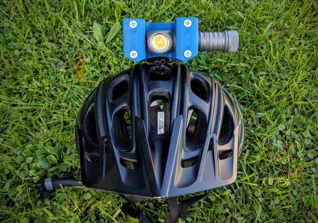 11d630d518bcec2427ef4699973557fd_display_large.jpg Download free STL file Zebralight H600w Mk II helmet Gopro mount / bracket • 3D printable model, Cerragh