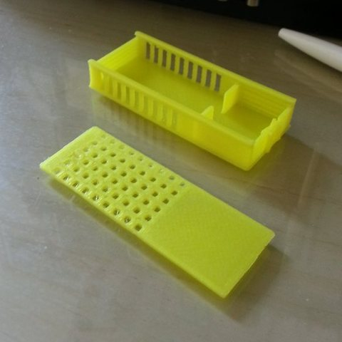 Download free 3D printer templates bee queen transport box - Bienenkönigin Transport und Einhängkäfig, Beekeeper3Dprinter