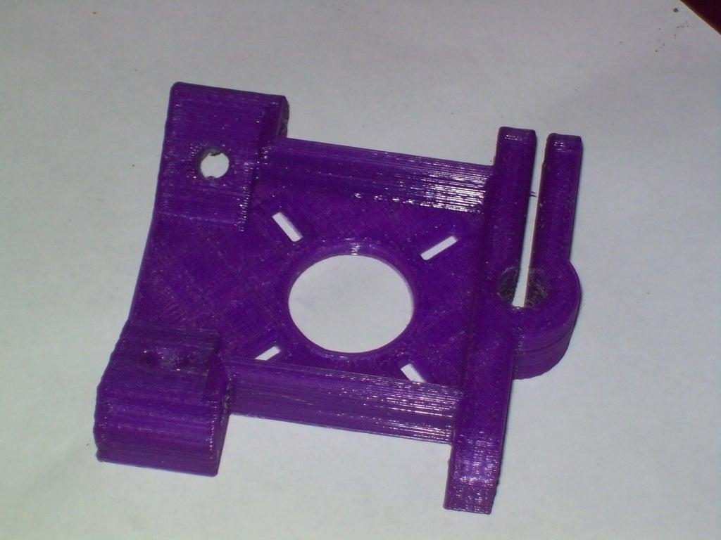 100_1811_display_large_display_large.jpg Download free STL file Integrated Z motor mount, frame vertex and rod clamp for Prusa Mendel • 3D printable object, Reneton