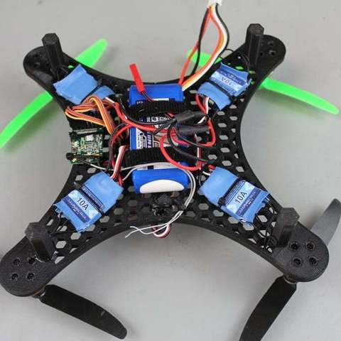 IMG_9110_display_large.jpg Télécharger fichier STL gratuit Bricolage Mini Quadcopter Edition nid d'abeille en nid d'abeille • Design pour impression 3D, Balkhgar
