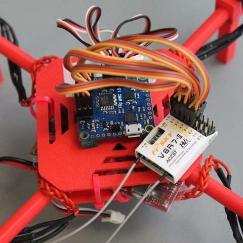 IMG_7256_display_large.jpg Télécharger fichier STL gratuit Mini Quadcoptère de bricolage avec support moteur imprimé 3D, plaques supérieure et inférieure • Objet à imprimer en 3D, Balkhgar