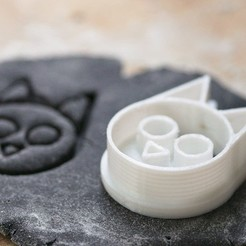 67802519_400573174146235_9209746661130108928_n.jpg Download STL file Cat Cookie Cutter • 3D printing object, nicomancer