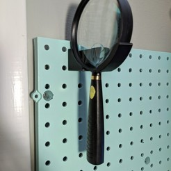 IMG_20200129_003102.jpg Download free STL file Pegboard Magnifying Glass Holder • 3D print design, a_str8