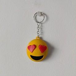 IMG_20200908_153117-01.jpg Download STL file Heart shaped eyes, in love emoji keychain • 3D printing template, bordermultimedia
