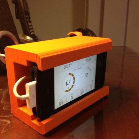 Photo_2-06-13_7_11_55_AM_display_large.jpg Download free STL file iPhone Alarm Dock • 3D printable template, Ilourray