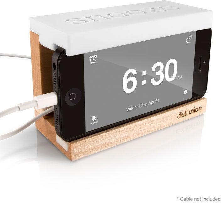 Distilunion_snooze_iphone_dock_display_large.jpg Download free STL file iPhone Alarm Dock • 3D printable template, Ilourray