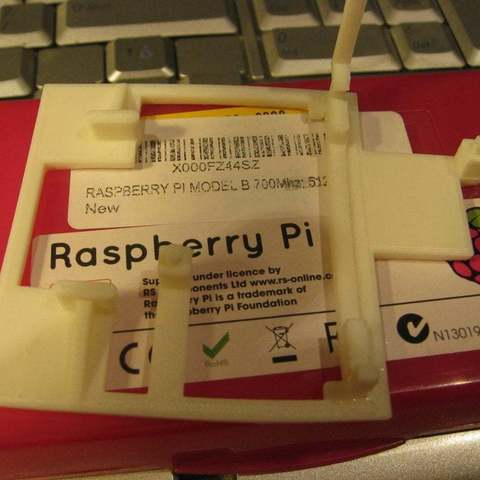 IMG_3742_display_large.jpg Download free STL file Raspberry Pi Clip • 3D print object, Aralana