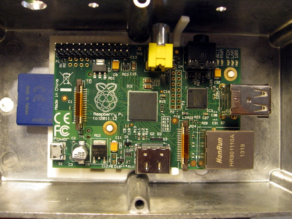 IMG_3748_display_large.jpg Download free STL file Raspberry Pi Clip • 3D print object, Aralana