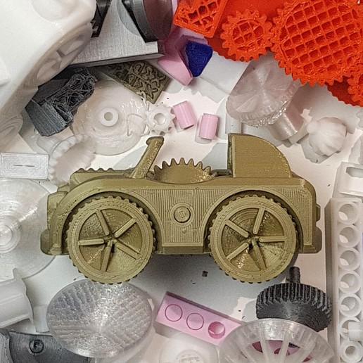 Download free 3D printer model All Wheel Drive Toy Car / Print-In-Place, extreme3dprint