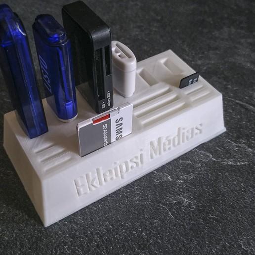 Télécharger fichier imprimante 3D gratuit Support cles USB cartes SD et Micro SD, EkleipsiMedias