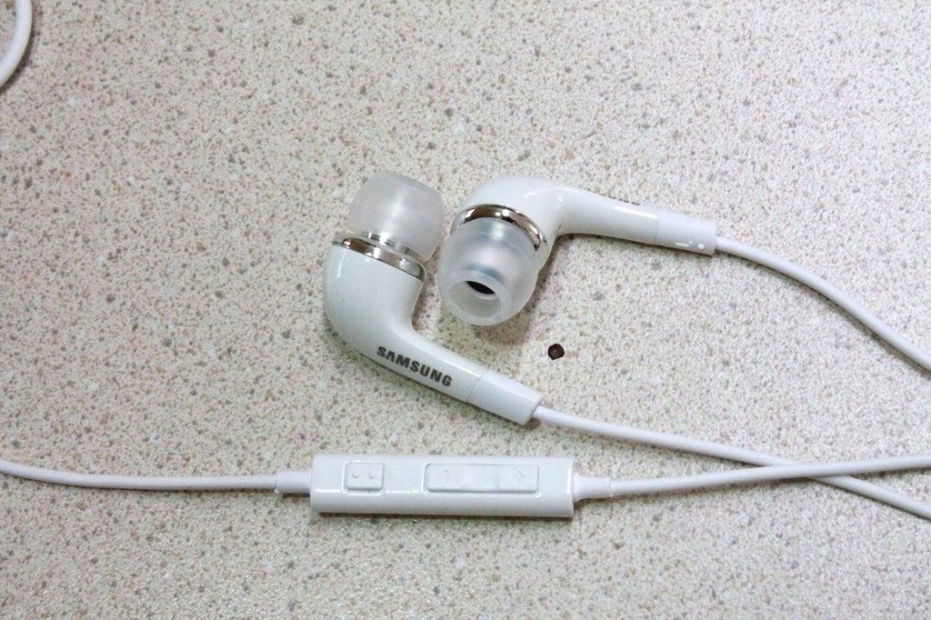 Holder_06_display_large.JPG Télécharger fichier STL gratuit Support d'écouteurs - Samsung Type Blanc • Plan à imprimer en 3D, Djindra