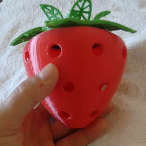 IMG-20190715-WA0019 (2).jpeg Download free STL file Strawberry • 3D printing object, danielfdz0192