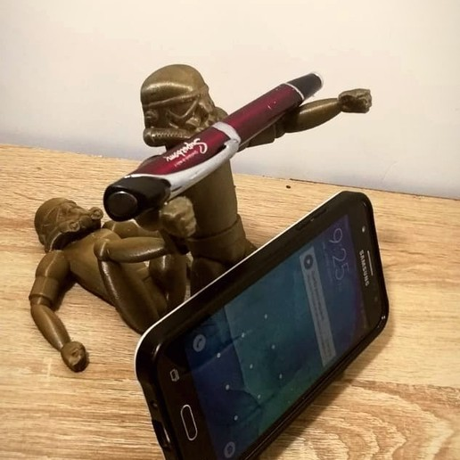 Download free STL file Stormtrooper Cell Phone Holder • Model to 3D print, Aslan3d
