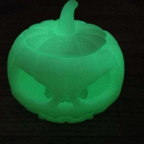 IMG_0168_display_large.jpg Download free STL file Jack o lantern pumpkin for battery tea light • 3D print model, procreator3D