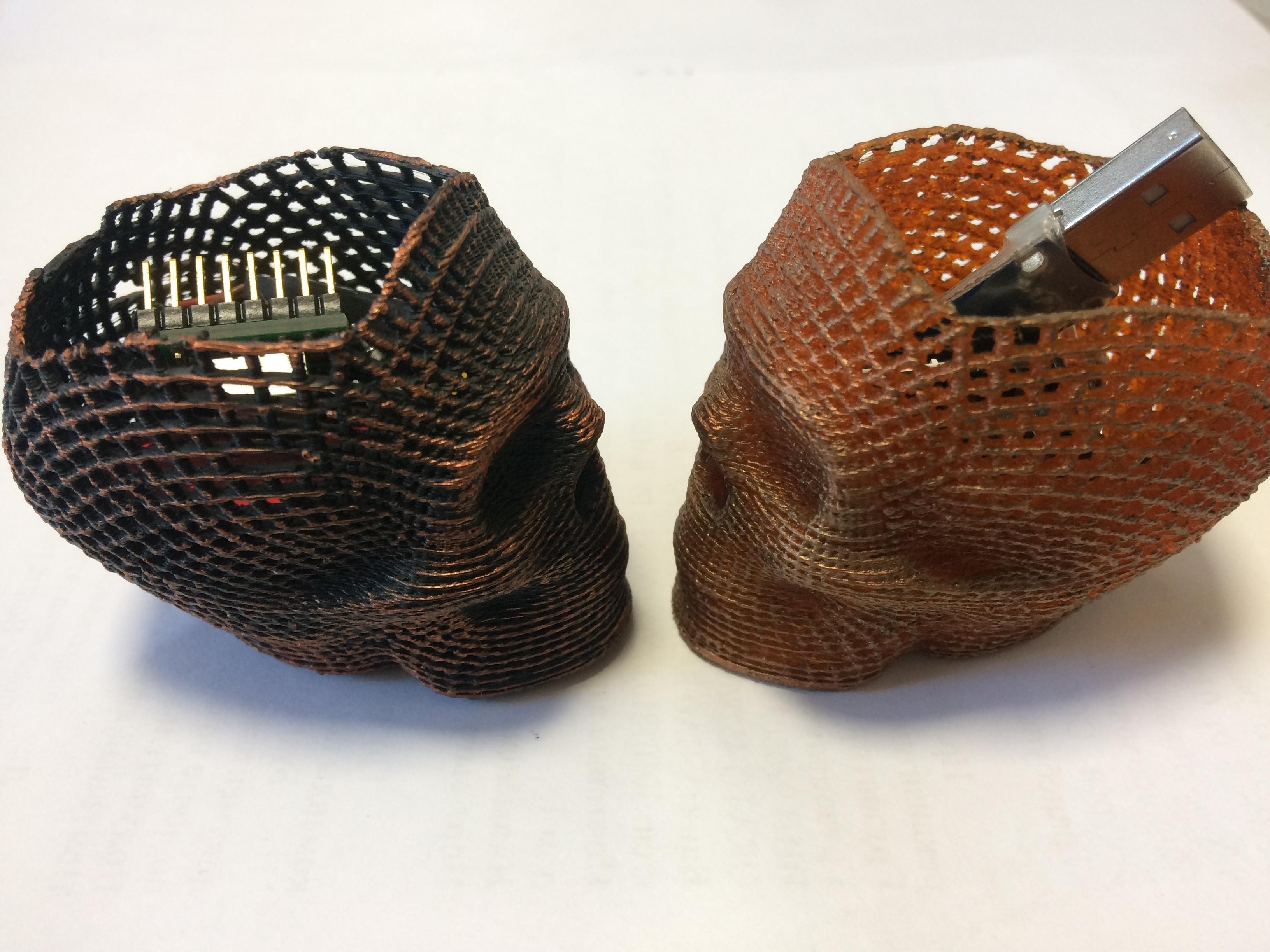 IMG_0746.JPG Download STL file Skull Card, Coin Holder • 3D print model, gharadze