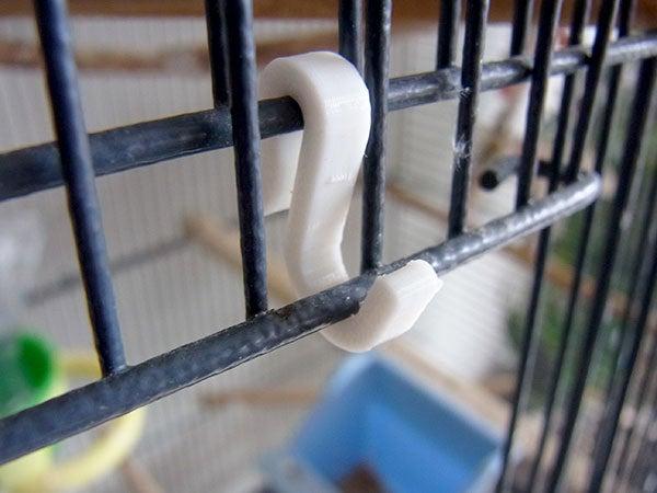 cage-door-hooked_display_large.jpg Télécharger fichier STL gratuit Crochets pour cage à oiseaux - Crochets pour cage à oiseaux pour faciliter l'accès. • Modèle pour impression 3D, Muzz64