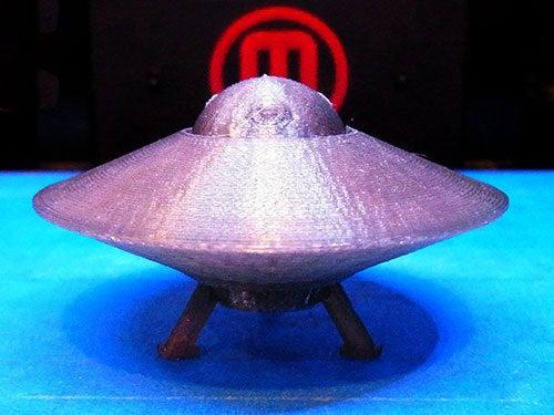 UFO-3_display_large.jpg Télécharger fichier STL gratuit OVNI avec disque extérieur tournant • Design pour imprimante 3D, Muzz64